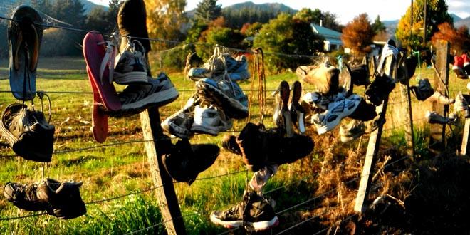 colgar zapatillas