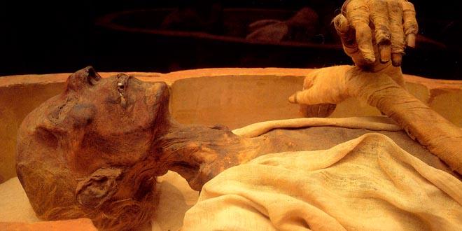 momia embalsamamiento