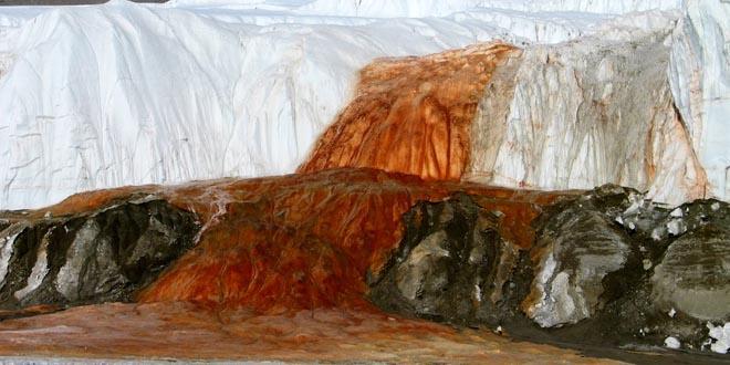 Cascada de sangre Antartida