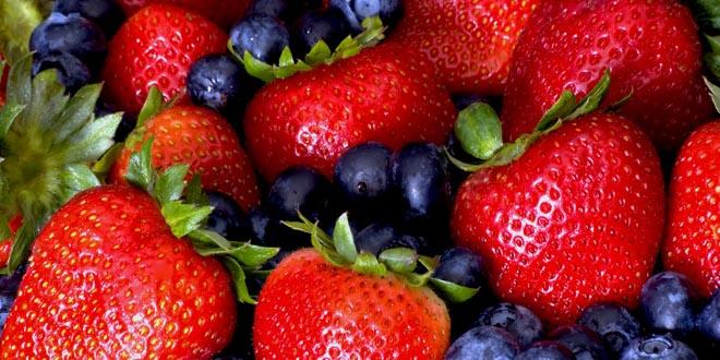 fresas y arandanos felicidad