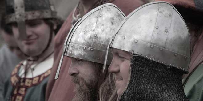 cascos-de-cuernos-vikingos