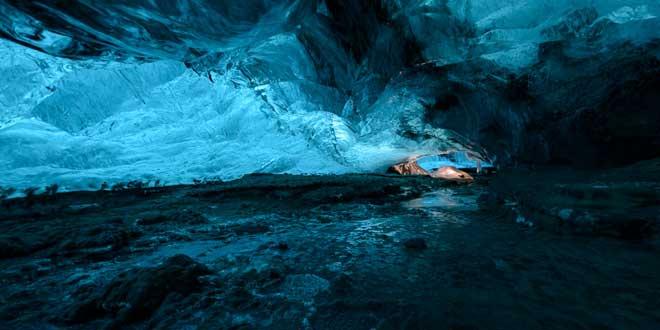Cueva-hielo-en-Skaftafell